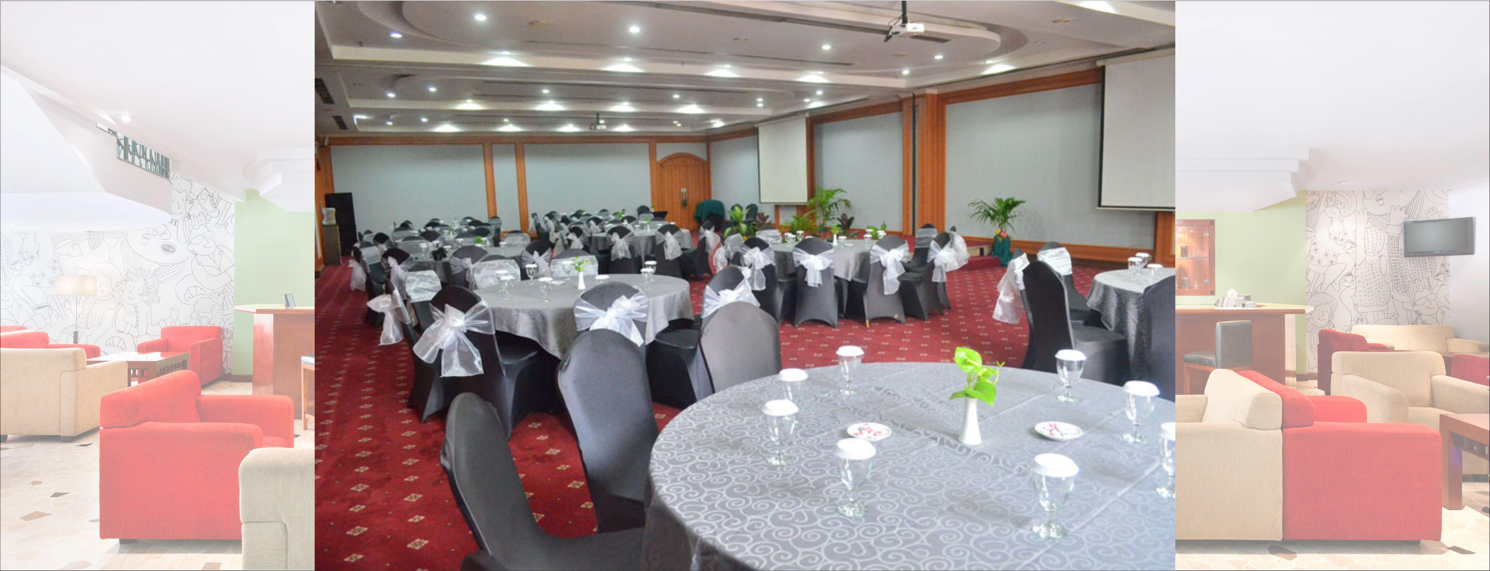 Hotel Arcadia Surabaya MINIMALIS STANDARD QUEEN ROOM Meeting Room Ballroom